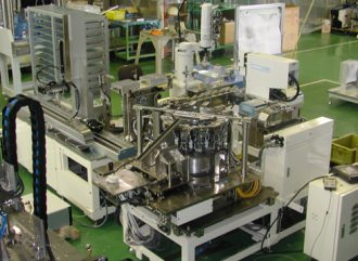 ガラス溶融炉(ゴブ取り装置)